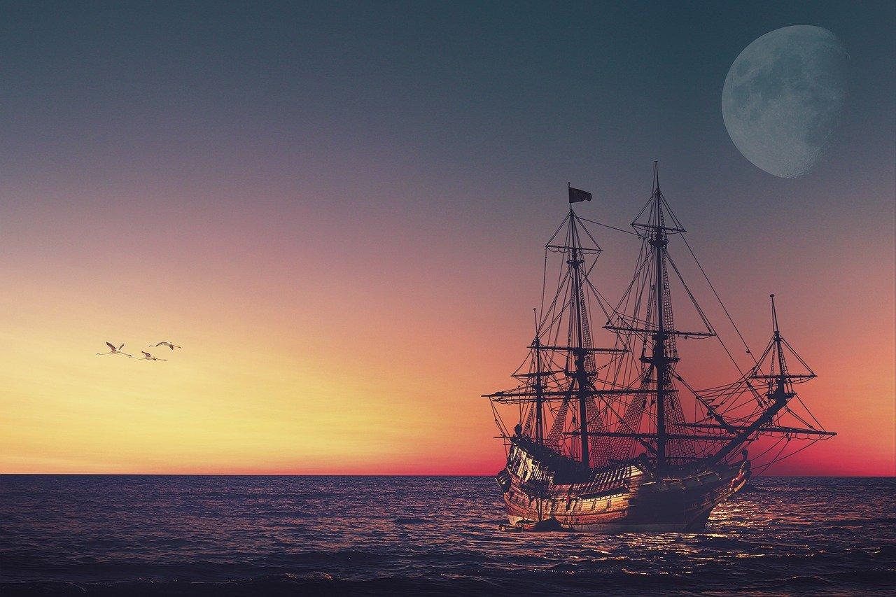 Altes Schiff auf dem Meer